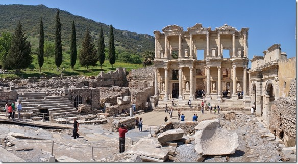 1128 die Celsus-Bibliothek (1024x563)