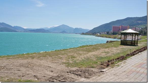 1189 der türkisblaue See Egridir Gölü in der Nähe von Isparta (1024x575)