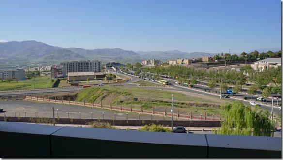 1350 Frühmorgens in die Weite schauen vom Balkon des Hotels Shadi in Sanandaj = endlich ohne Orkanböen (1024x575)