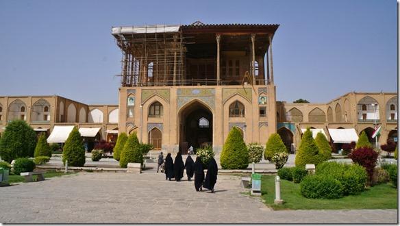 1496  Aussichtsterrasse auf den früheren Polospielplatz, heute Meydan  (1024x575)