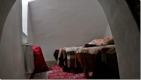 1654 Blick in der Schlafraum mit 3 Betten (1024x575)