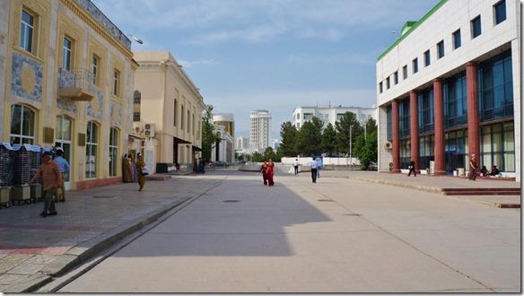 1763 die Prunkbauten in Ashgabat (1024x575)