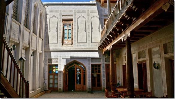 1867 Hoteleingang Komil Bukhara  (1024x575)