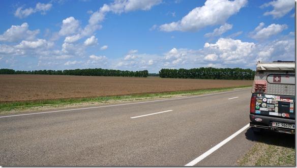 3103 Stundenlang sind wir entlang von riesigen Feldern gefahren  (1024x575)