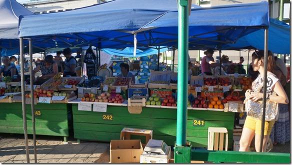 3229 Früchte und Gemüsemarkt in Irkutsk  (1024x575)