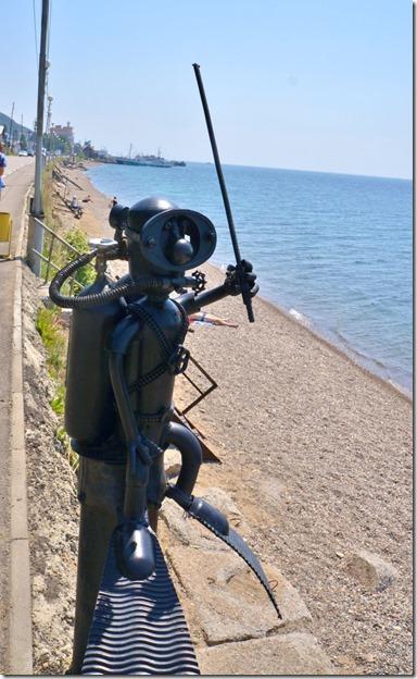 3241 Man muss schon eisern sein um im kalten Wasser des Baikalsees zu tauchen. Im Hochsommer 16 bis 18 Grad  (628x1024)