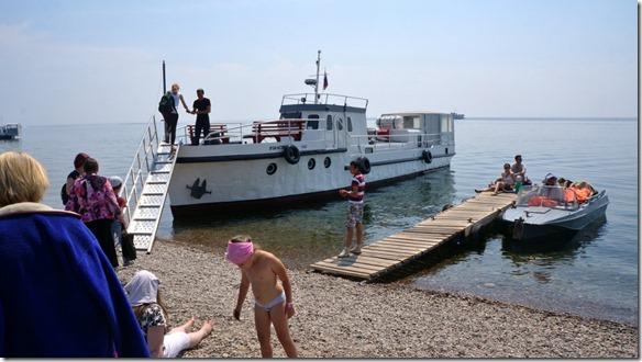 3259 Wir besteigen das Boot  (1024x575)