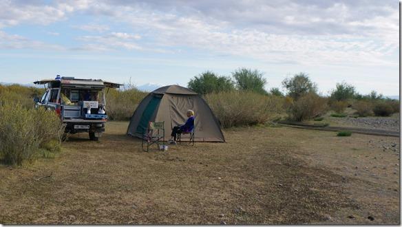 4019 Übernachtungsplatz etwas entfernt vom undurchquerbaren  Fluss  (1024x575)