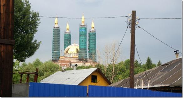 3448 Die Türme der Moschee werden zur Zeit renoviert, wäre eine sehr schöne Ansicht vom Hoteleingang her  (1024x547)