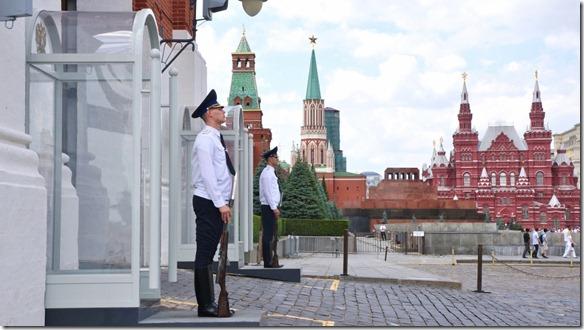 3519 Wache am Retter Turm, ein Eingang zum Kreml  (1024x575)