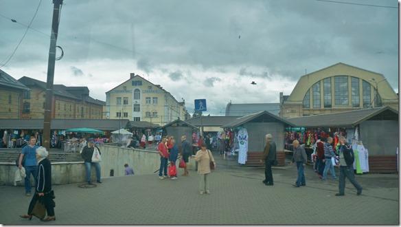 3674 einer von drei Marktteilen in Riga  (1024x575)