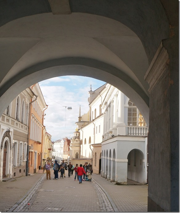 3701 Durchblick zur Altstadt in Vilnius  (861x1024)