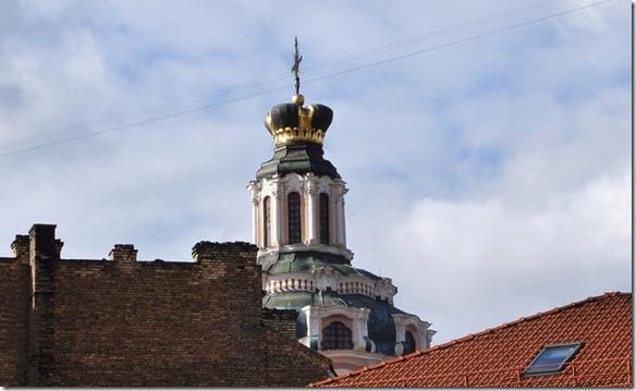 3705 Geschmückter Kirchturm in Vilnius  (1024x629)