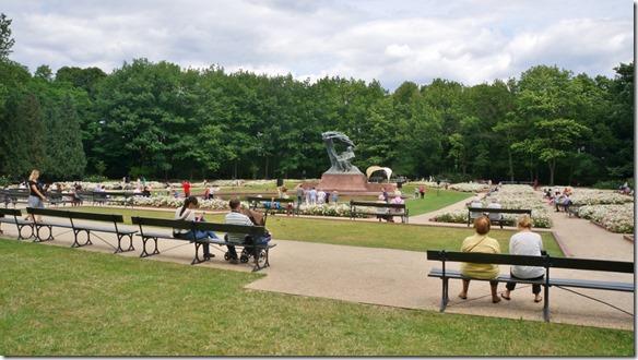 3731 Park in Warschau mit Statue von Chopin  (1024x575)