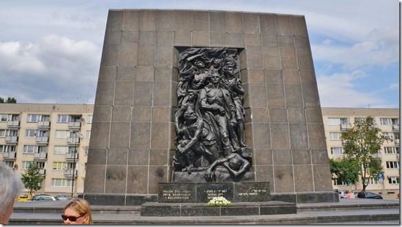 3739 Denkmal zum Aufstand der Juden im Ghetto  (1024x575)