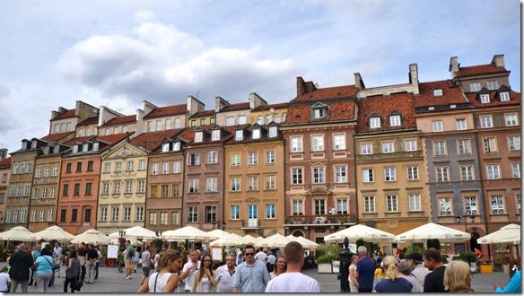 3752 Auf dem Marktplatz in der Altstadt von Warschau  (1024x575)
