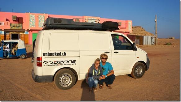 2766 sie wollen nun auf ziemlich dem gleichen Weg wie wir gekommen sind nach Cape Town fahren (Gianni ist Kitesurfing-Lehrer, er will die Winde im südlichen Afrika austesten)