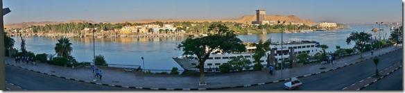 2788  Ausblick von unserem Hotel Philae (wir wurden im Hafen von einem Guide abgeholt und er konnte die Formalitäten auf die Hälfte reduzieren)