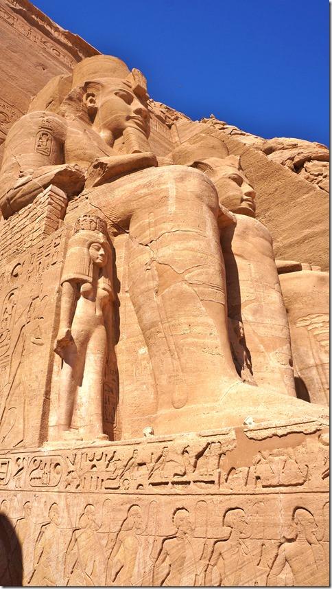 2800 die kleine weibliche Statue ist etwa normale menschliche Grösse