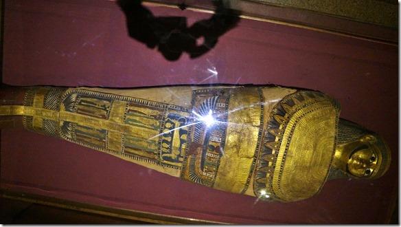 2846 eine der ausgestellten Mumien
