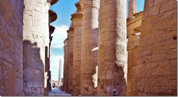 2940 in diesem Tempel sin 134 solche Riesensäulen errichtet