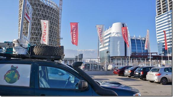 3043 eine einzige und letzte kleine Reparatur (Dieselfilter wechseln) am Frosch bei Toyota in Sofia