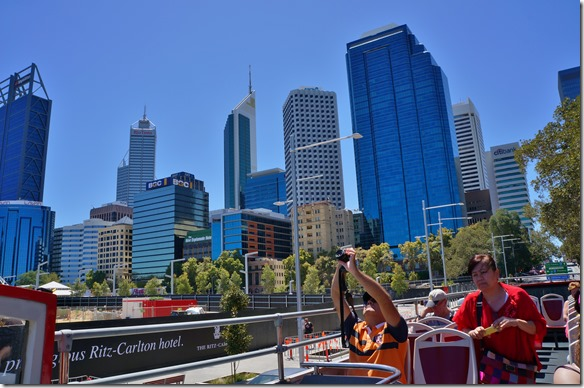 1038 Ausblick auf Perth City