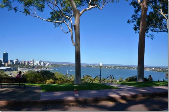 1041 Ausblick vom bothanischen Garten auf Perth