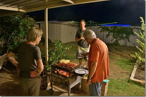 1054 alles Fleisch ist drauf für 5 Personen, aber es sind mind. 8-10 Portionen auf dem Grill = es war super
