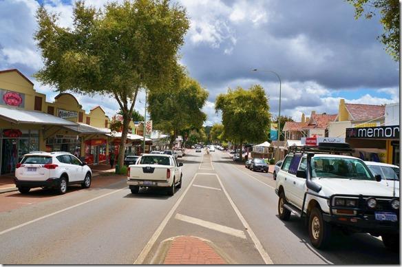 1122 eine Fahrt zu südlichsten Punkt in Westaustralien führte uns durch dieses herzige Städtchen Margareta River