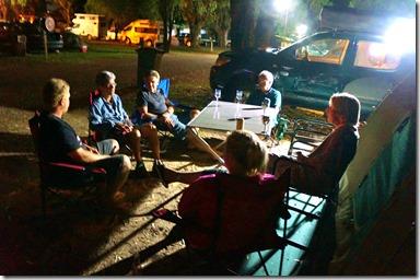 1292 ein gemütlicher Abend mit den Kanada-Kollegen von Willi Albiez auf dem Albany Camping