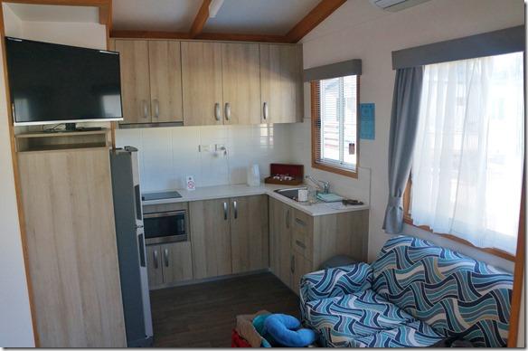 1414 da die Campingplätze überall wegen Ostern voll besetzt waren, mussten wir eine Nacht in dieser schönen und geräumigen Cabin übernachten. Am nächsten Tag wieder mit Zelt