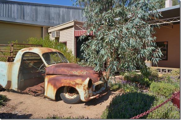 1535 hier in Australien gibt es noch viele Autowracks die aufgemöbelt werden könnten