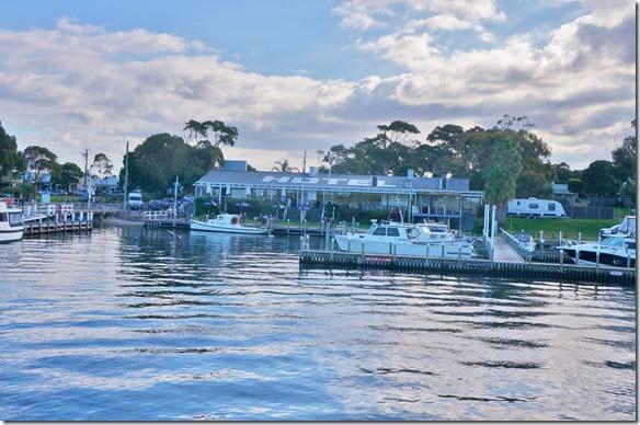 1830 dieses Hotel kann nur mit dem eigenen Schiff oder mit dem Abholer erreicht werden = es liegt wie viele Gebäude auf einer Insel