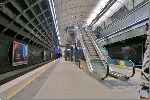 1881 Bahnsteig im Untergrund von North Ryde