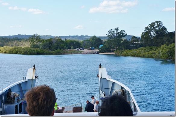 2045 Ankunft mit der Fähre auf Fraser Island