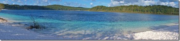 2057 hier Lake McKenzie einer der Grössten