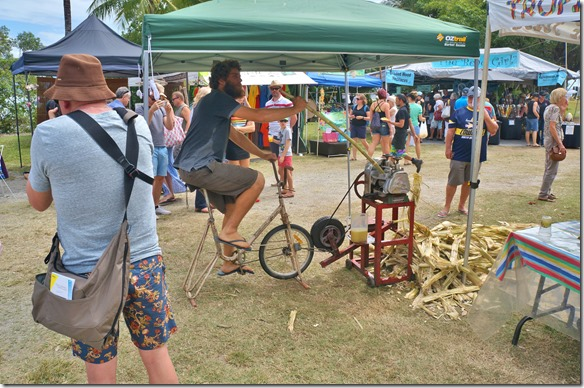 2659 Besuch auf dem Handwerkermarkt in Port Douglas