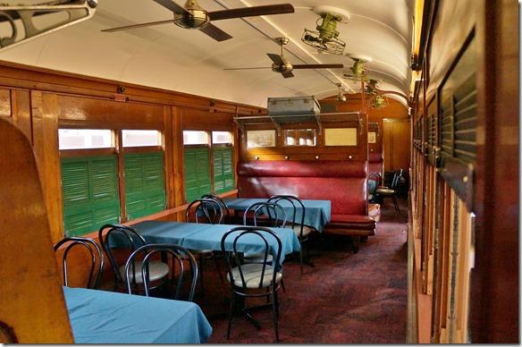 2697 alte Eisenbahnwagons bilden die Gaststätte