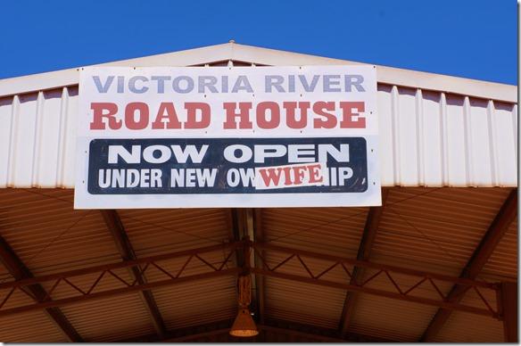 2887 keine neuen Besitzer sonder eine neue Frau ist in diesem Roadhouse eingezogen (vermutlich schwingt sie jetzt das Zepter)