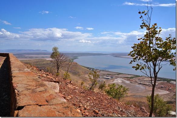 3014 Blick Richtung wo alle Flüsse herkommen (diese führen auch in der Trockenzeit Wasser)