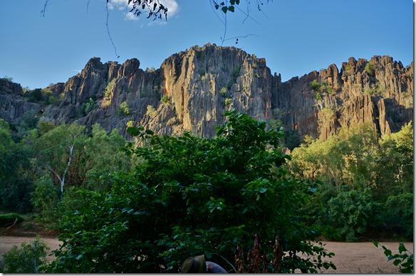 3205 die Wände der Gorge sind sehr steil und stark zerklüftet