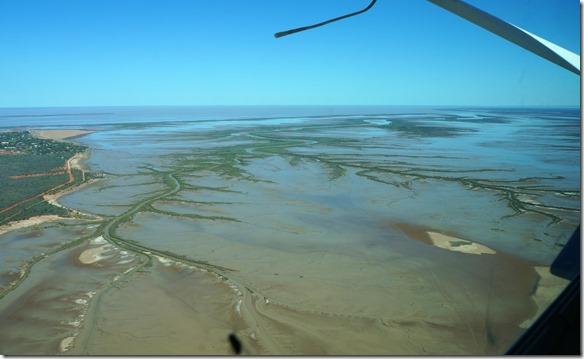3226 um Derby ist alles Wattenmeerlandschaft, denn die Flut hat eine Höhe von 11 Metern