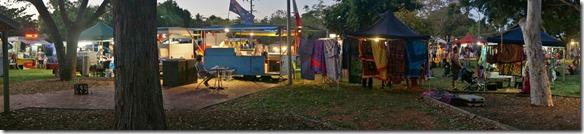 3317 der Markt von Broome an welchem es hauptsächlich zu Essen gibt