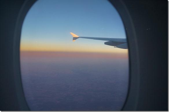 1000 Sonnenaufgang beim Anflug auf Sydney