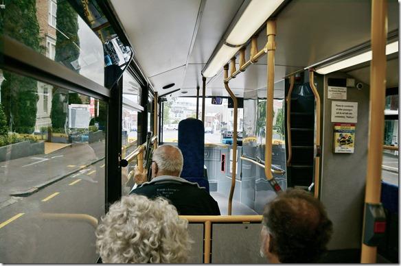 1046 und weiter geht es mit dem Bus. Es gäbe einiges zu erzählen aber für Fotos ist es ähnlich wie in andern Stätten