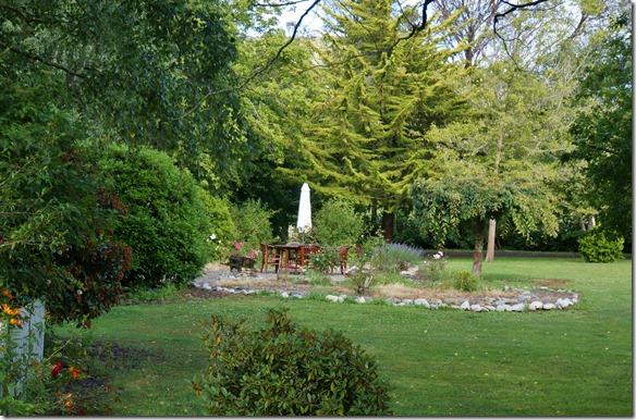 1161 Cedric hat per Internet diese wunderschöne Anwesen ausfindig gemacht und eine der 3 zur Verfügung stehenden Zimmer gemietet