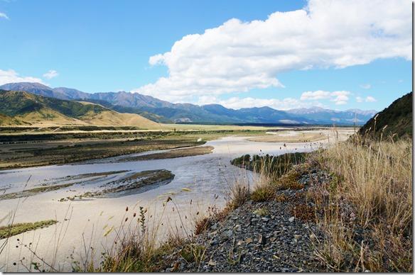 1177 die Flüsse führten sehr viel Wasser nach den starken Regenfällen, aber man sagte uns dass innerhalb kurzer Zeit sich dies wieder beruhigen wird