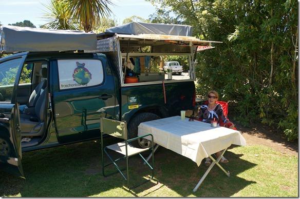2000 unsere nächste Station = Hot Water Beach auf der Coromandel Halbinsel