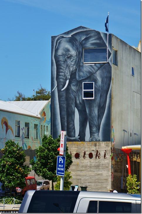 2074 es gibt halt doch Elefanten in Neuseeland